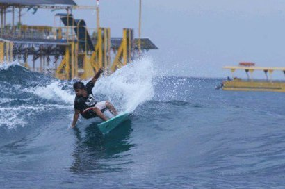 Cutting up at Playgrounds, Nusa Lembongan